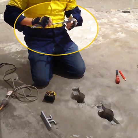 Screw the rod into the repair kit head piece